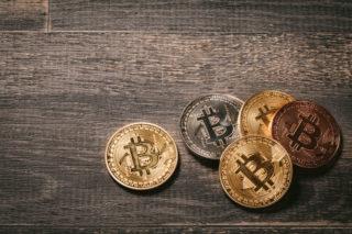 ビットコイン急落で採掘業者涙目