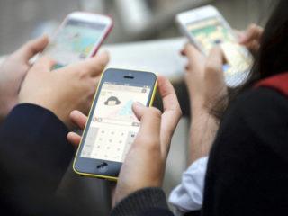 携帯大手3社の違約金1000円になる模様